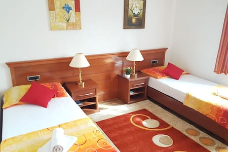 Rooms Tunovic 1