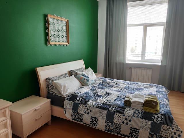 Нова фотография спальни после косметического ремонта.