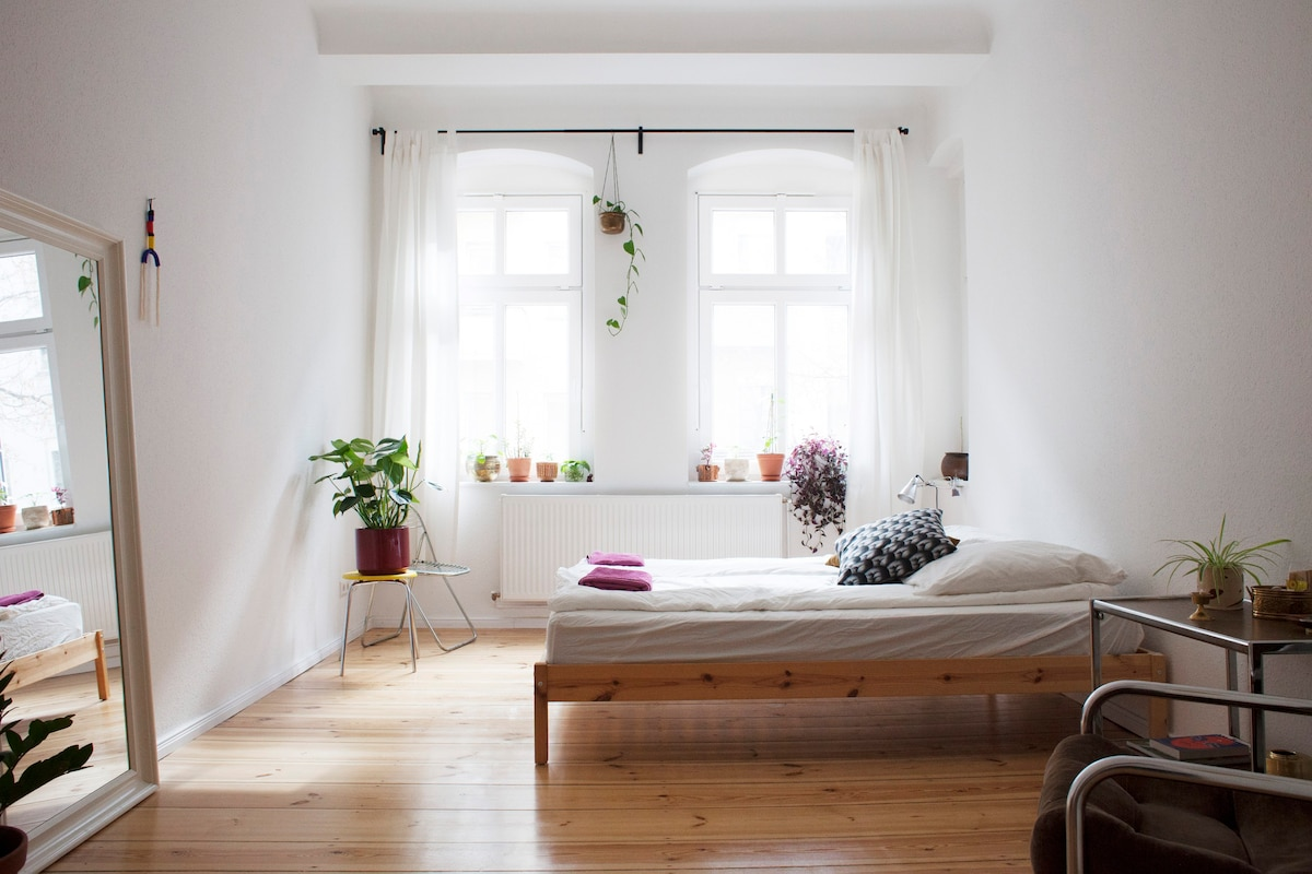 Bright And Spacious Room In Schillerkiez, Neukölln   Apartments For Rent In  Berlin, Berlin, Germany