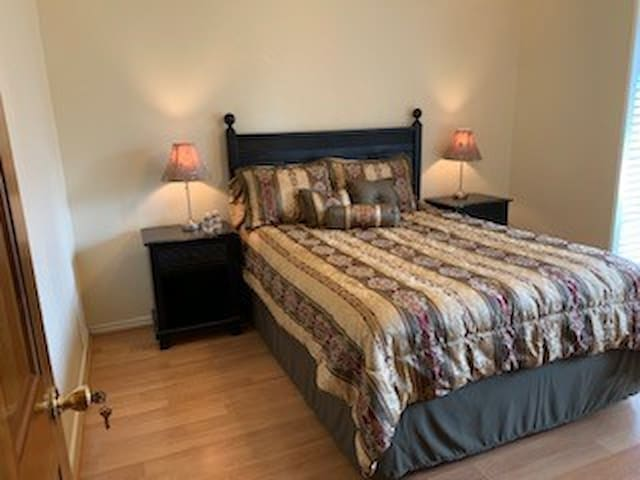 Warm, welcoming home with private 2BR/bath in Arl