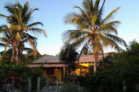 Charme e conforto na praia de Corumbau / Bahia