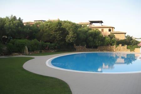 Bilocale immerso nel verde con piscina - Porto Rotondo - Timeshare