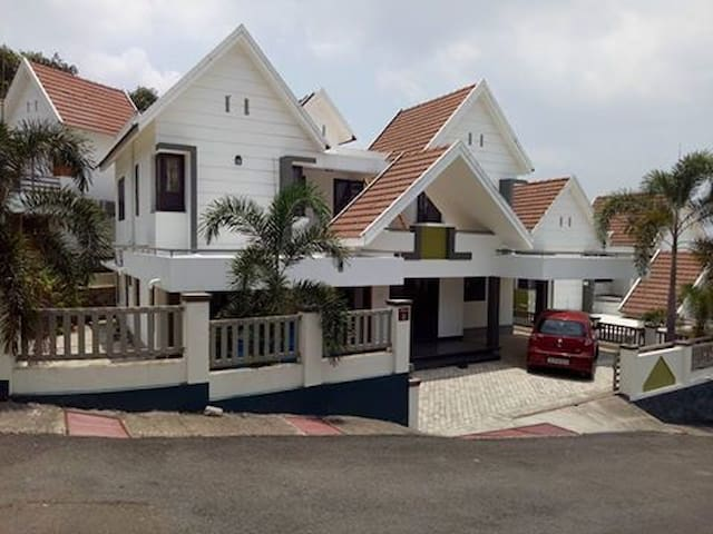Kottayam -ettumanoor4bhk luxurious furnished villa