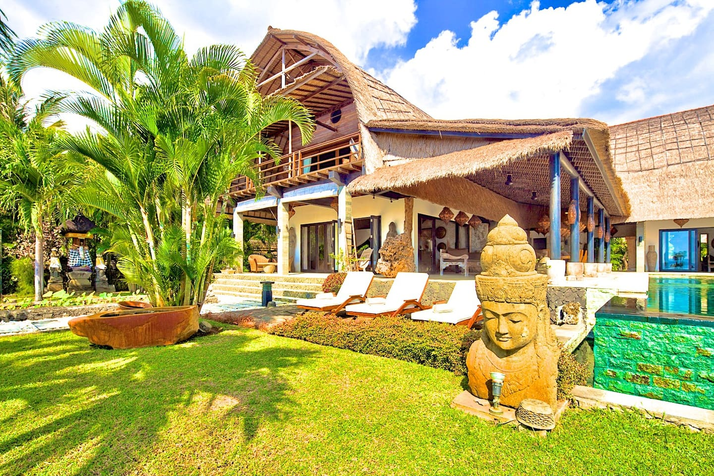 Villa Buddha with sunny side north face and infinity pool.