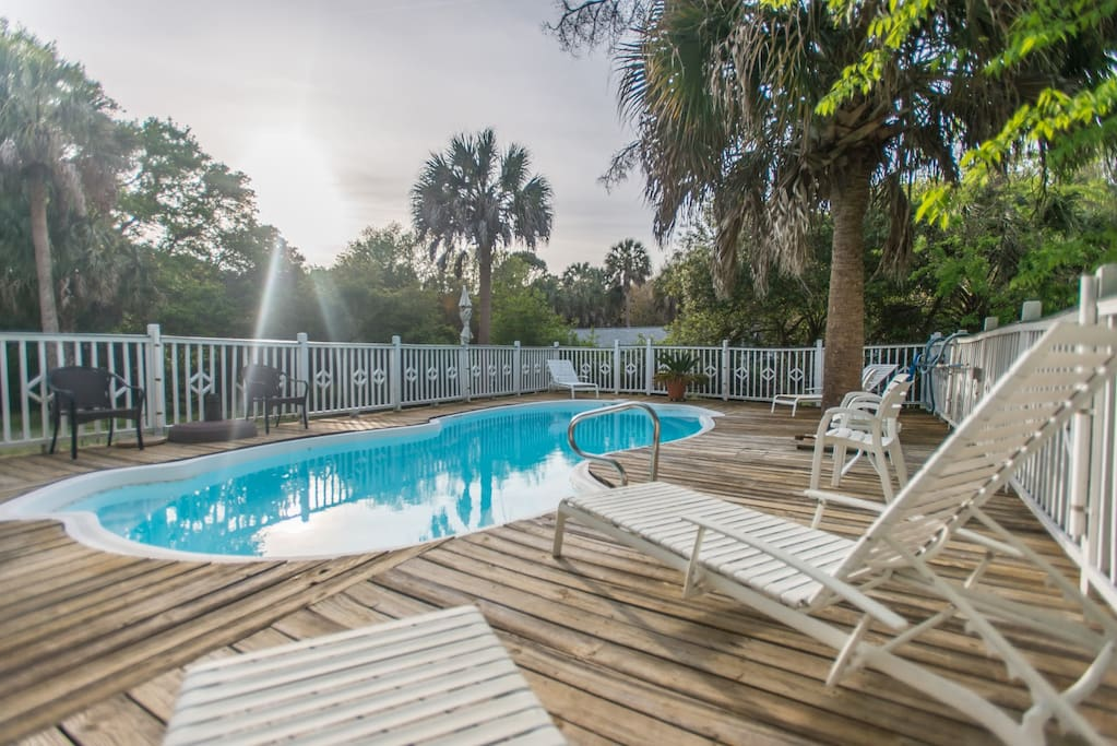 210 w cooper ave 4bed 3 5bath pool pets considered townhouses for rent in folly beach. Black Bedroom Furniture Sets. Home Design Ideas