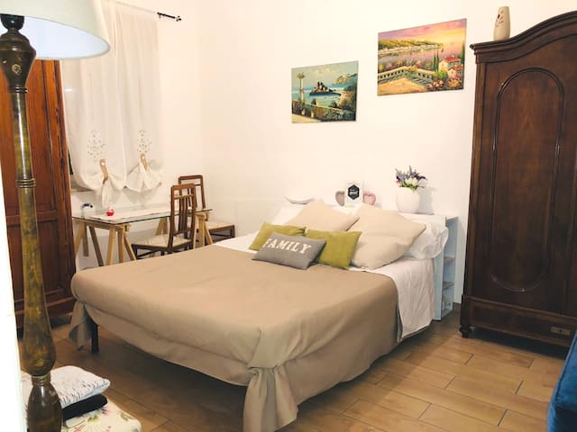 Cozy Room in Messina