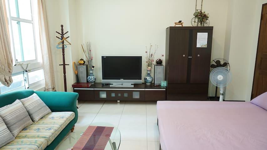 賴家 Lai's house *整層樓(2房-可住7人)* 免費停車/家庭/團體/交通便利/遊大台中 - Dali District - Apartamento
