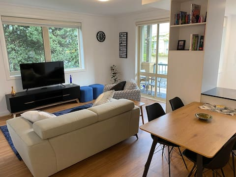 Entire  apartment in the heart of South Yarra