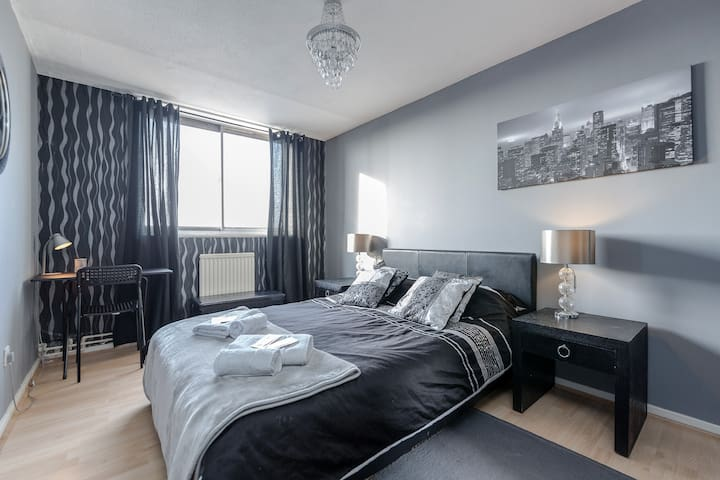 Modern Private Room in Central London