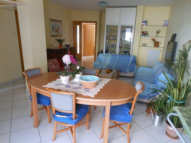 Ampio appartamento a pochi passi dal mare