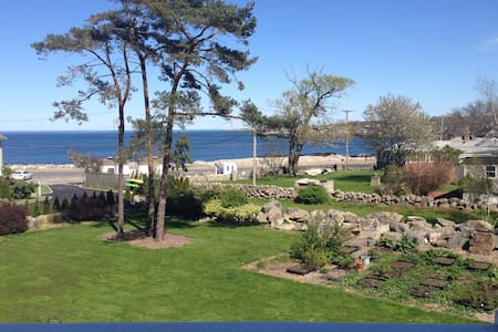 ROCKPORT BACK BEACH OCEAN VIEW LARGE KING SUITE