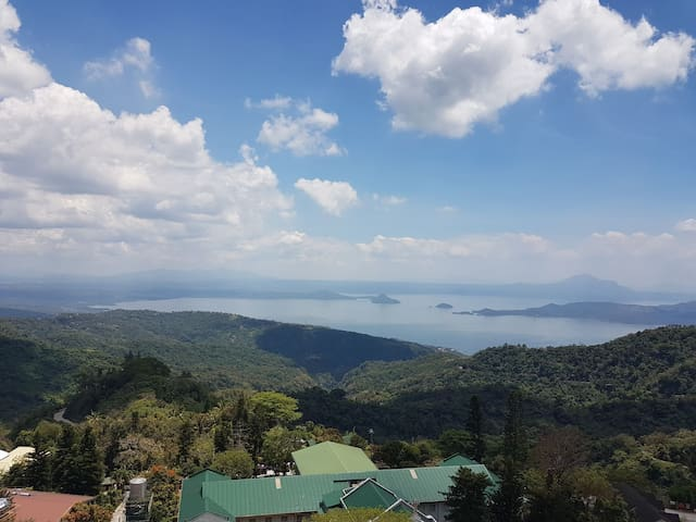 1BR accommodation with lake view and wifi - Tagaytay - Apartment