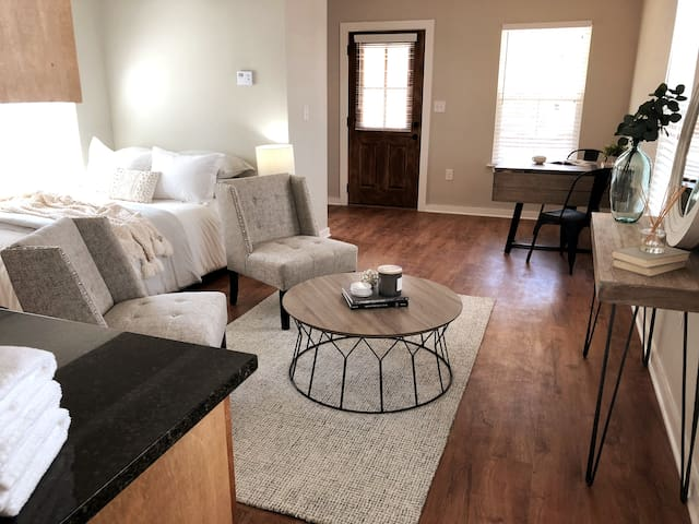 Perfect Downtown West Monroe Studio