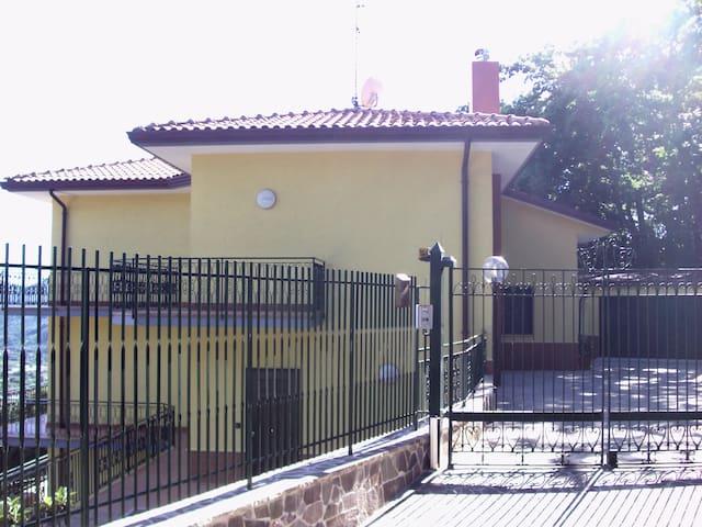 Villa in Fisciano - Salerno - Villa - Huvila