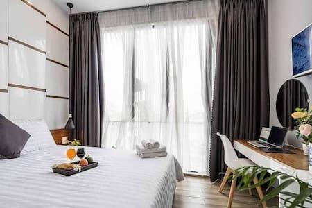 Luxury Double Room★Near Night Market and Beach