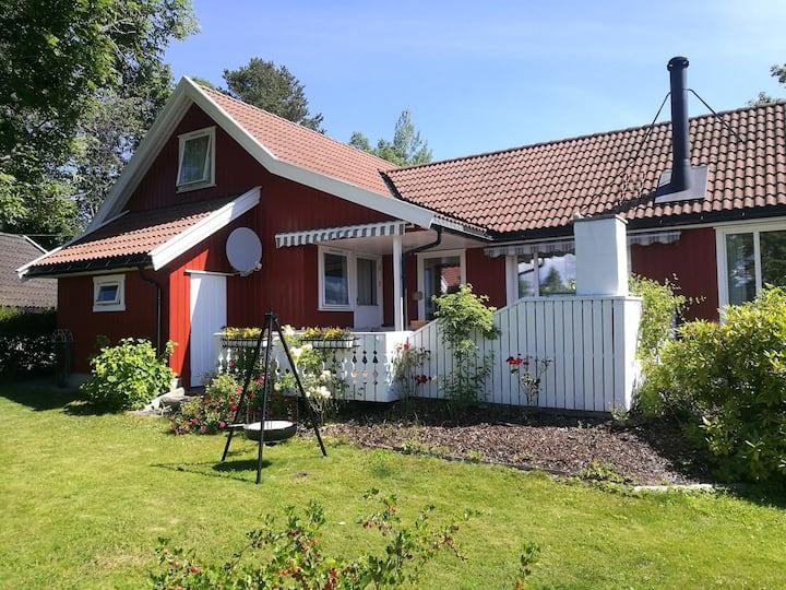 Flott hus med deilig hage - Hele huset