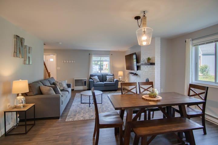 Newly renovated 3 BR/2 BA + Loft, Alpine Village
