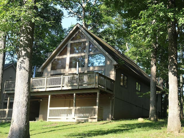 All Decked Out - Lake Cottage near Mammoth Cave