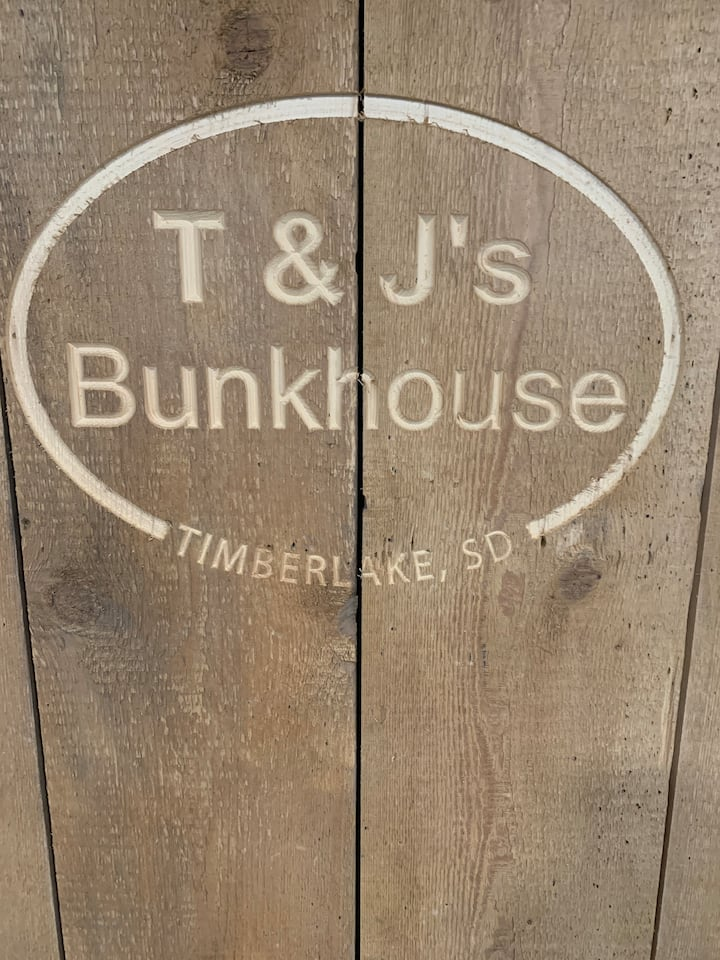 T&J's Bunkhouse small lodge
