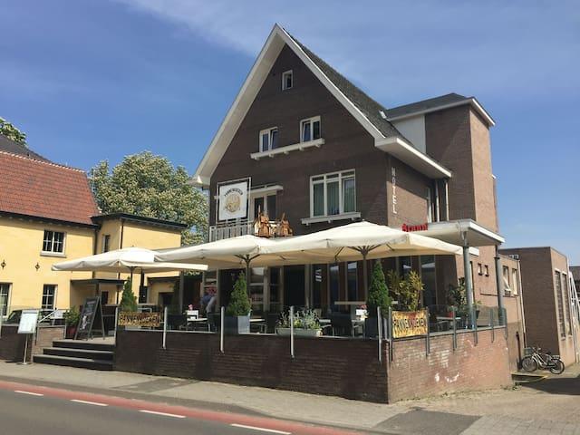 Pancake City close to center; quiet - Valkenburg - Szoba reggelivel