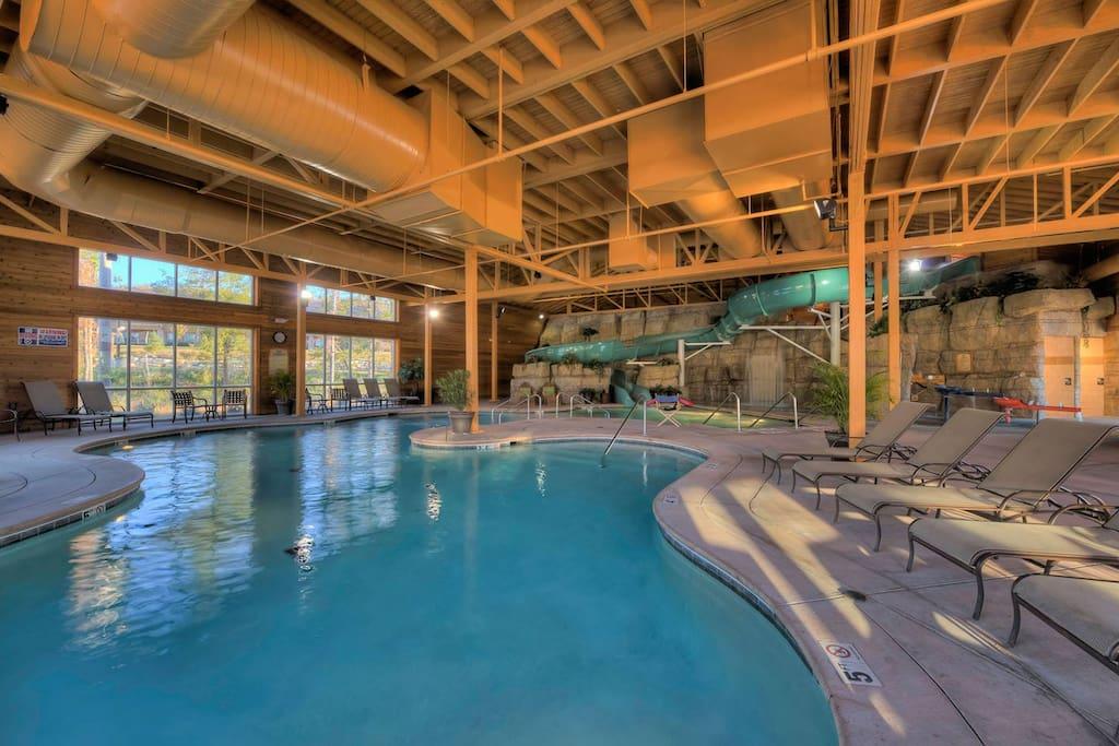 Branson Splash-a-Torium Indoor/Outdoor Pool
