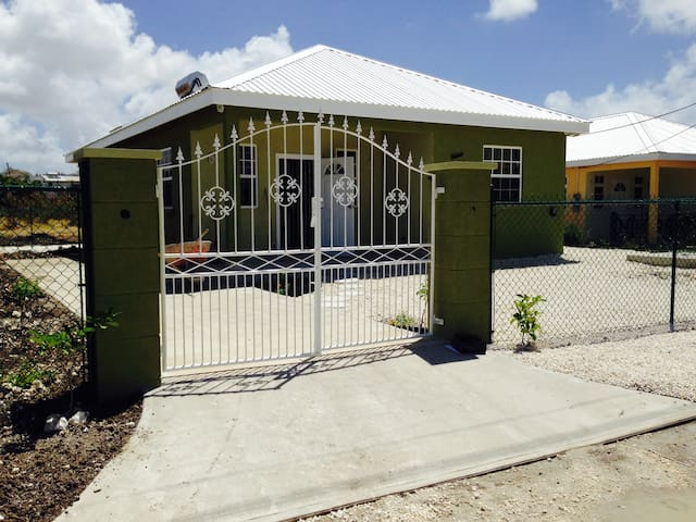 3 Bedroom House, South Coast area