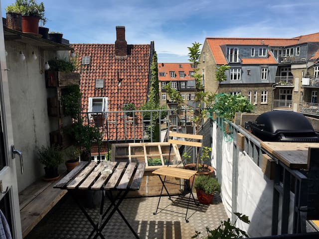 Stor, lys og dejlig lejlighed i hjertet af Aarhus