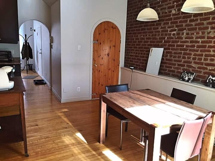 Old Quebec 1 bedroom apartment & private terrace