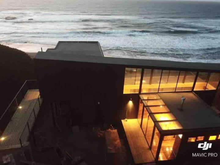 """""""Refugio del Mar"""" Casa sobre la playa en Matanzas."""