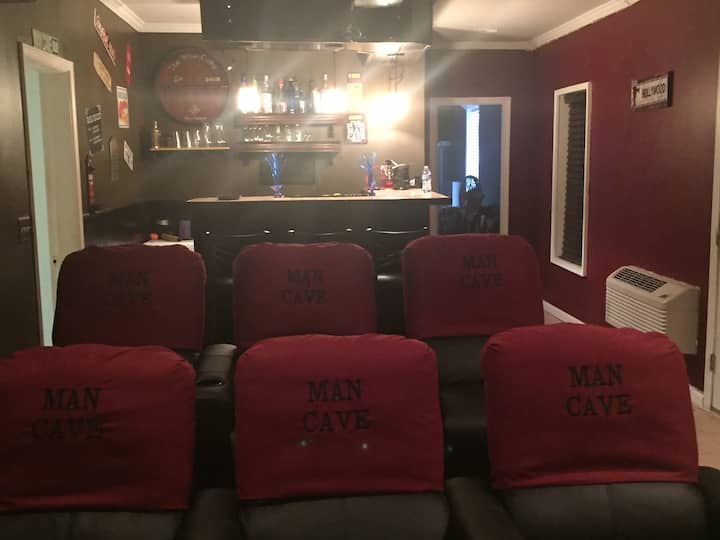 ManCave Suite available for Super Bowl Weekend!!