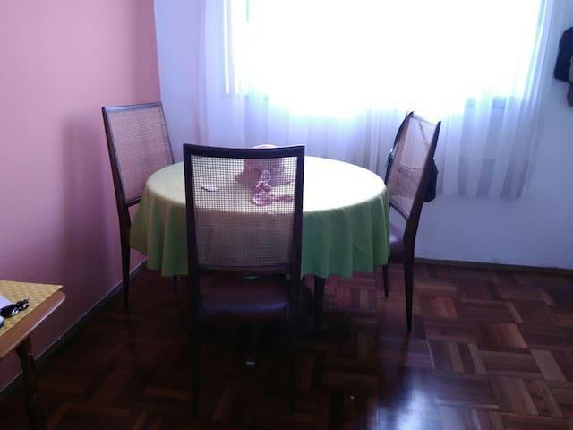 Apartamento, buen punto, amplio, completo, cuidado - Montevideo - Lejlighed