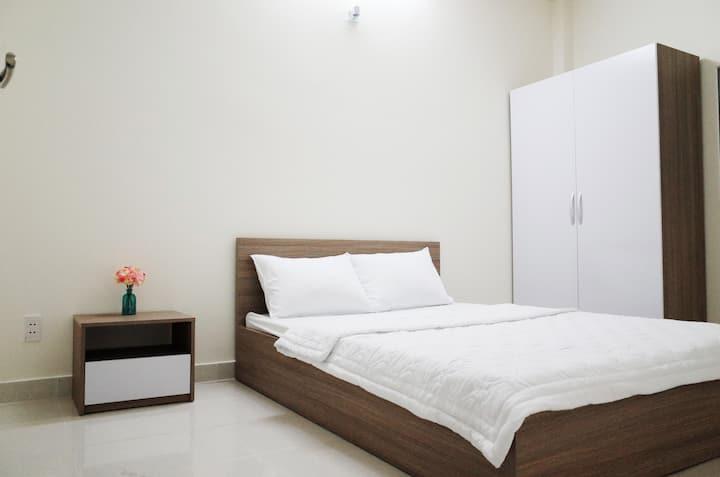 Quiet room and near Saigon center (room 2)