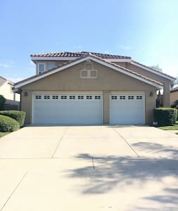 Comfy and clean room! - Rancho Cucamonga - House