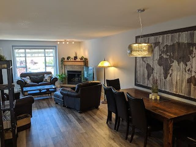 Spacious Luxury 2 Bedroom Condo in Okanagan Falls