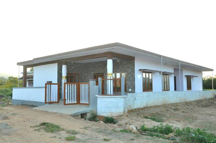 White house home stay, Bittangala,Virajpet, coorg.