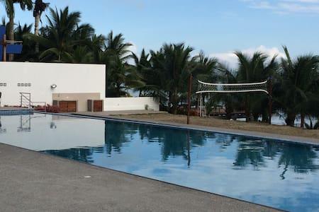 Hermosa Suite frente al mar - Tonsupa