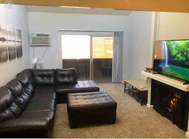 NEW Big 2bd apt in valley w/ pool and hottub