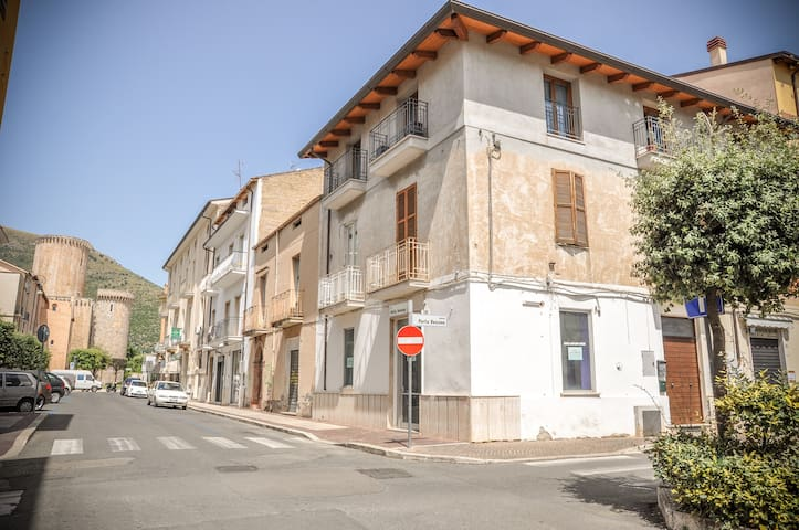 Apartment in the city centre of FONDI - TOP! - Fondi - Byt