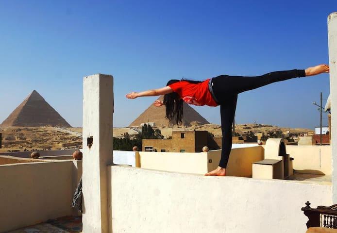Epic 2 Bdr Apt +Tour Services @ Pyramids Loft - Giza - Huis