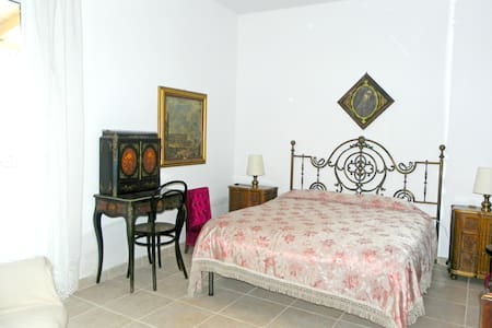 Amazing room in relaxing countryside - Sammichele di Bari - Szoba reggelivel