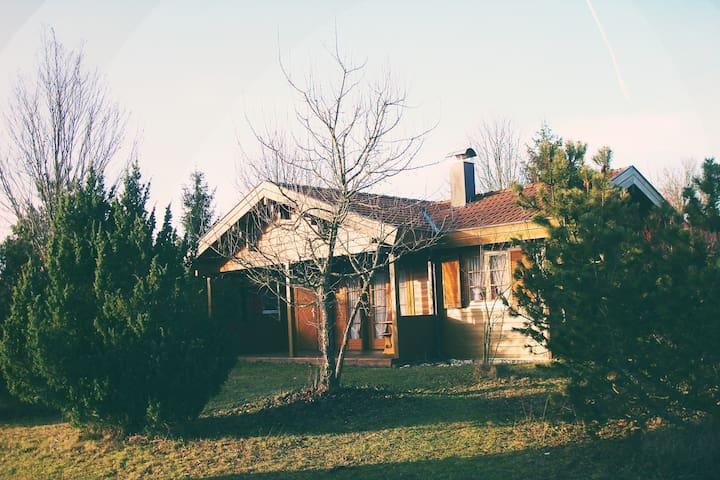 Haus Albfink: Gemütliches Holzhaus mit Kaminofen