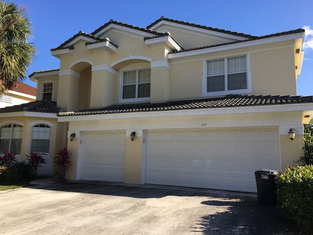 6 Beds 4.5 Baths, sleep 12 - Jupiter - Hus