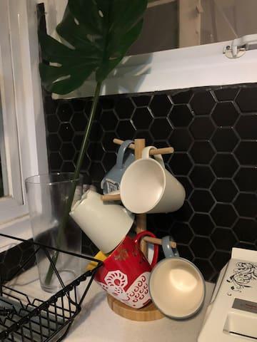 cup , mug