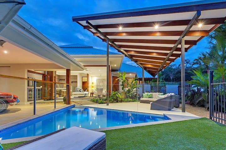 Eleanora - Modern Tropical Luxury