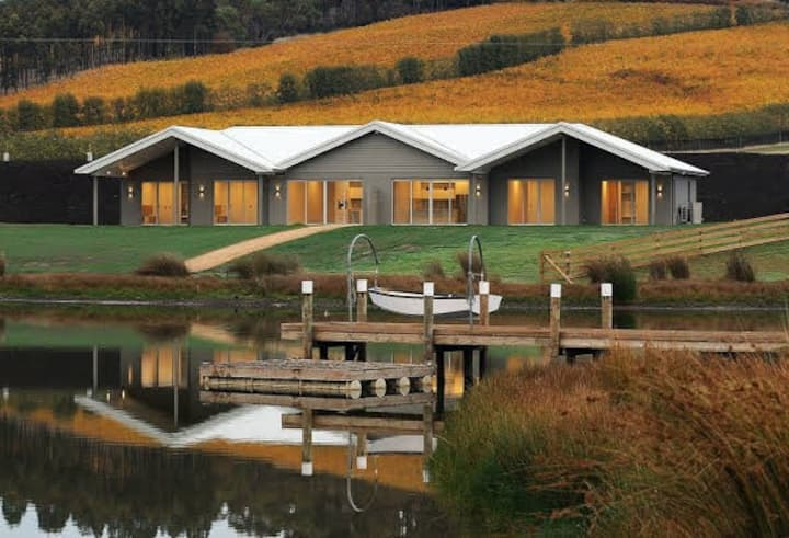 Luxury lodge in the Launceston Tamar Valley region