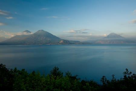 LAGO ATITLAN  GUATEMALA - Cerro de Oro