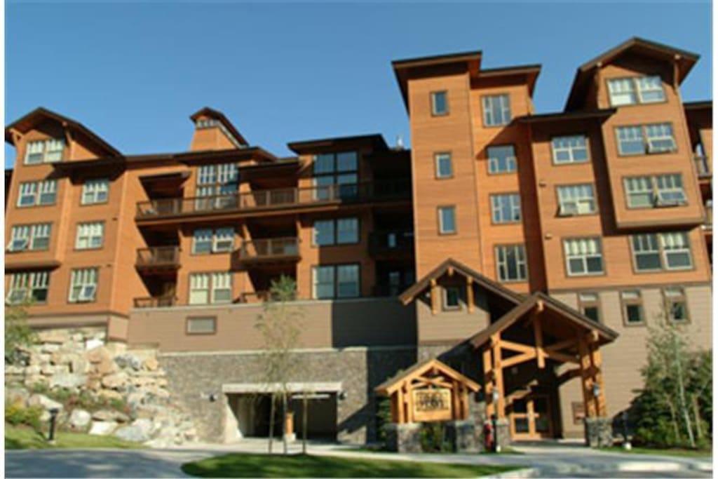 1000 Peaks Lodge - Summer