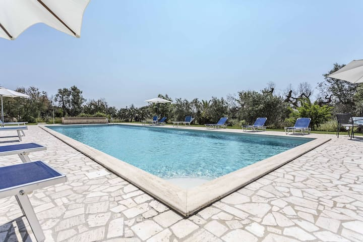 Frantoiana ap. with swimming pool and breakfast