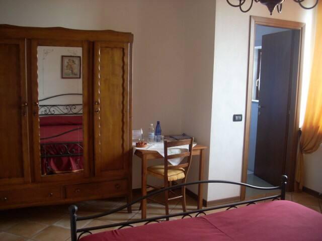 Sulle incantate colline, gastronomia relax e vino - Province of Cuneo