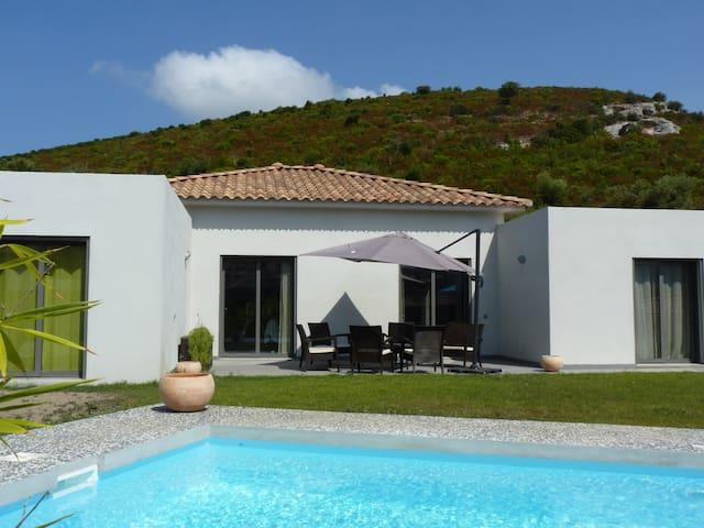 Villa avec piscine, proche plage - Oletta - Villa